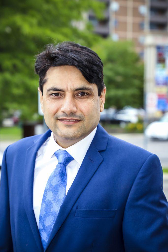 Dr Akash Datt- Founder Fowler Dental